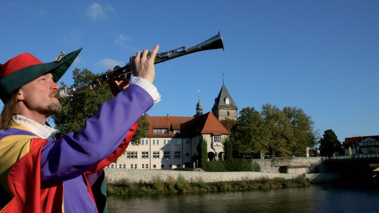 The Pied Piper of Hamelin at the Weser