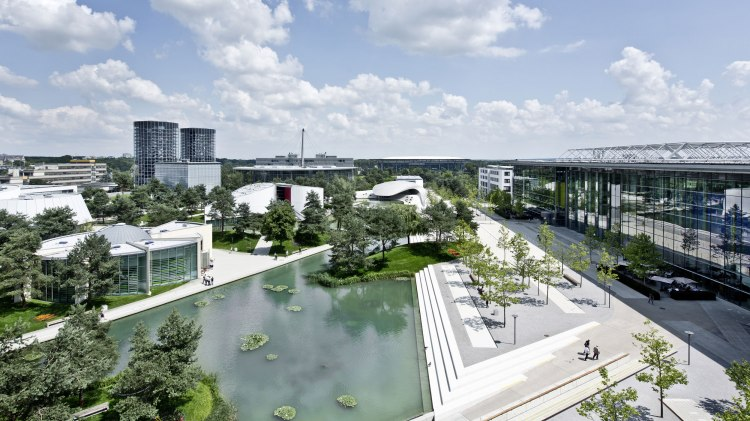 Overview of the Autostadt in Wolfsburg
